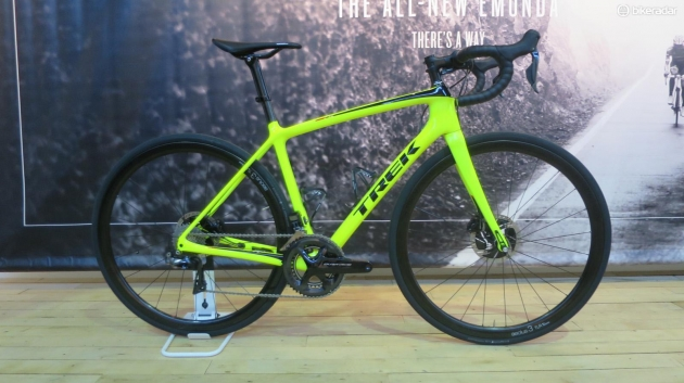 The Emonda SLR9 disc comes in this pretty bold fluro colourway